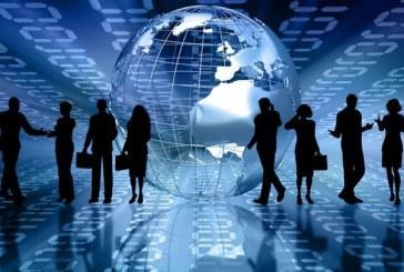 دور ممارسات إدارة الموارد البشرية في التحلي بالمسؤولية الاجتماعية للشركات في المؤسسات الاقتصادية الجزائرية