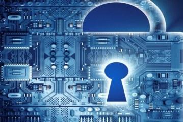 مخاطر شبكة الانترنت في ظل متطلبات الأمن المعلوماتي وآليات تحقيقه