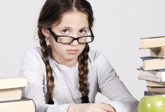 طفلك متأخر دراسيًا؟ إليك الأسباب وطرق العلاج
