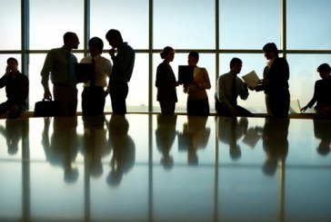 دور وظيفة تسيير الكفاءات البشرية في تحسين أداء المورد البشري في المنظمة