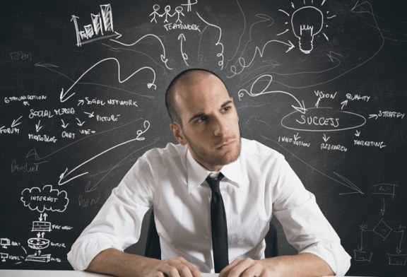 كيف تتخلص من التفكير التقليدي وتفكر بطريقة أكثر إبداعًا؟