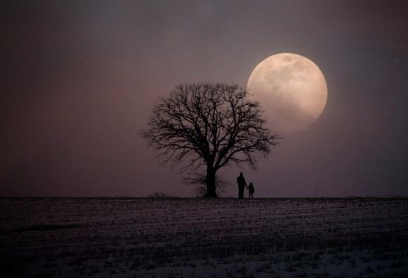 دليلك المبسط لكيفية رصد منازل القمر في السماء