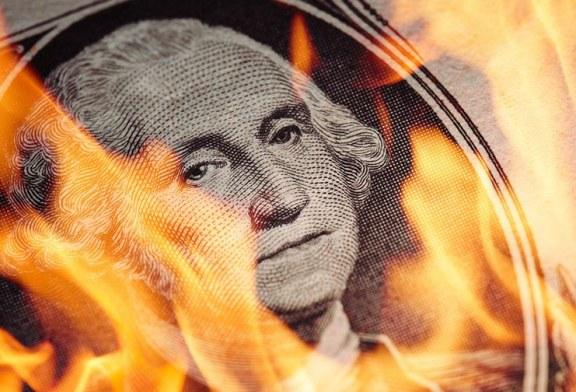 لماذا سينهار الدولار الأمريكي في 2021؟