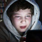 مواقع التواصل وألعاب الفيديو طريق سهل للمتاجرين بالبشر